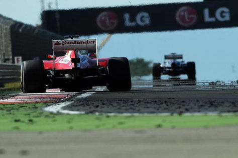 Fernando Alonso zeigte den Sponsoren-Schriftzug nicht immer so leserlich