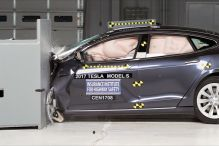 Model S schwächelt beim Crashtest