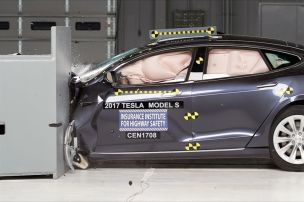 Tesla Model S im Crashtest