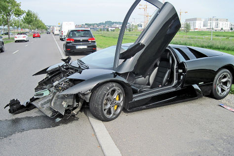 Autohändler schrottet 600 PS-Lamborghini bei Tempo 40
