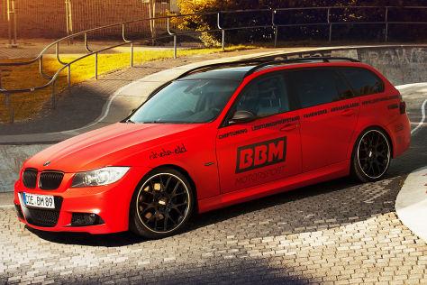 BMW 330 d Touring BBM schräg vorne