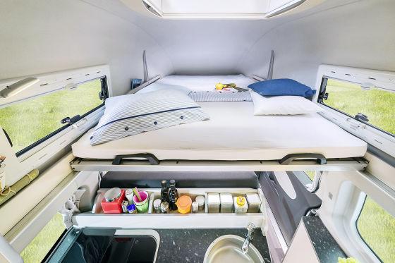 Ford Nugget Bett unterm Dach von Westfalia