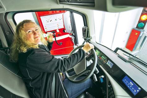 Automatische Alkoholkontrolle für LKW-Fahrer am Terminal der Stena Line in Göteborg