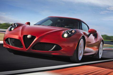 Alfa Romeo 4C dynamisch fahrend