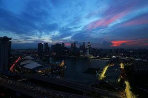 Singapur-Wetter: Surer rechnet mit erstem Regenrennen