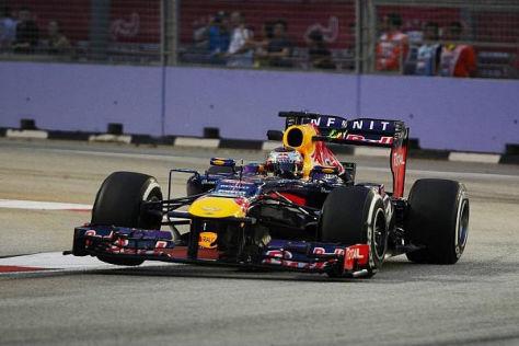 Sebastian Vettel übernahm am Abend in Singapur das Zepter