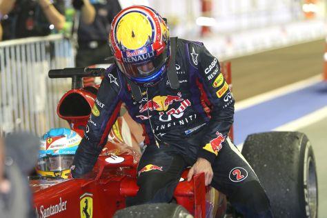 Mark Webber fährt beim GP von Singapur als Passagier bei Fernando Alonso mit