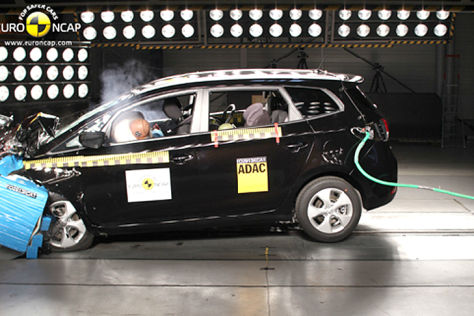 KIa Carens im Euro NCAP-Crashtest (September 2013)
