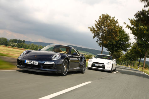 Porsche 911 Turbo S/Nissan GT-R Black Edition: Vergleich