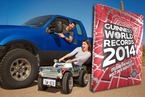 Austin Coulson (USA) präsentierte am 7. September 2012 ein Auto, das nur 63,5 Zentimeter hoch, 65,41 Zentimeter breit und 126,47 Zentimeter lang ist – und kam damit ins Guiness-Buch der Rekorde für das kleinste Auto der Welt