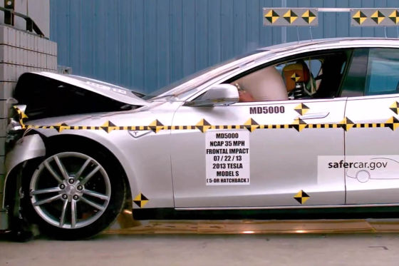 Tesla Model S bei Crashtest