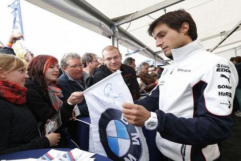 Bruno Spengler freut sich immer, wenn er Autogrammwünsche erfüllen kann