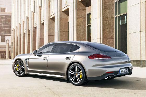 Porsche Panamera Turbo S Executive Heckansicht