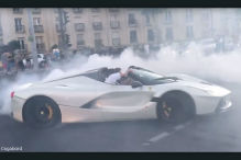 Ferrari LaFerrari Aperta: Donut-Video