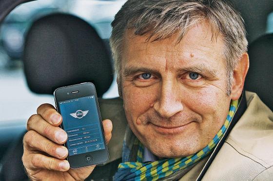 Michael Hauschildt synchronisiert seinen Mini mit dem iPhone