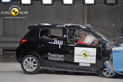 Mitsubishi Space Star im Euro NCAP Crashtest August 2013