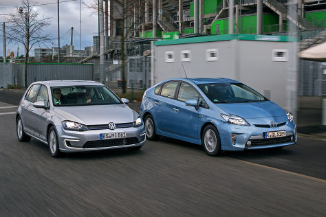 Toyota Prius Plug-in VW Golf Plug-in