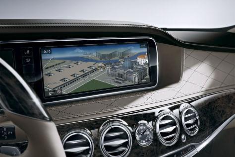 Stauanzeige in Mercedes Comand-System