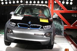 So crasht der BMW i3