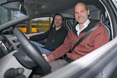 """Thomas Raffeiner, Chef von """"The Mobility House"""", Hauke Schrieber, Renault Zoe"""