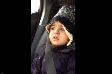 Dilara glaubt, Papa hat ein Auto geklaut