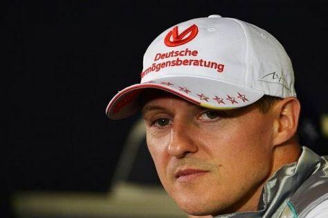 Auch fast eine Woche nach dem Skiunfall liegt Michael Schumacher weiter im Koma