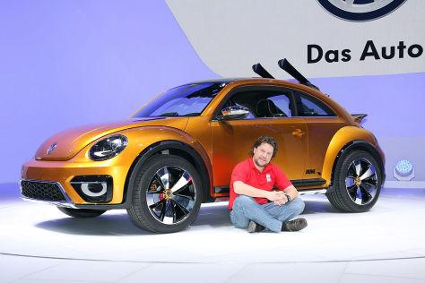 Boris Pieritz vor dem VW Beetle Dune Concept