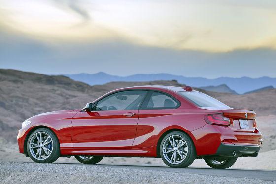 BMW 2er rot
