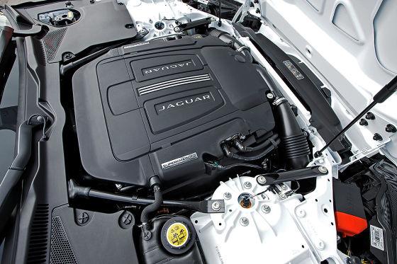 So fährt der Jaguar F-Type R