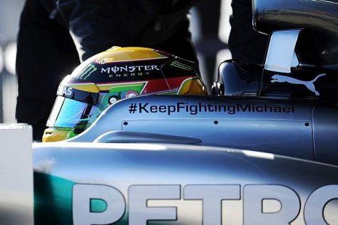 Mercedes sendet via Schriftzug auf dem Auto die besten Wünsche nach Grenoble