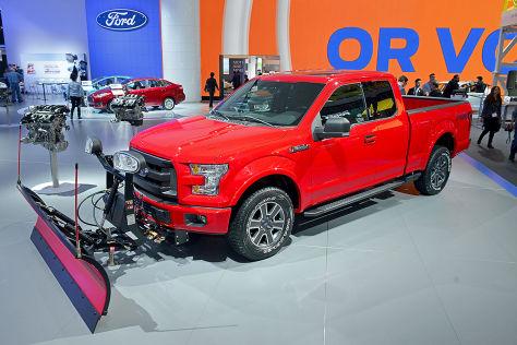 Ford F-150 mit Schneeschaufel: Chicago Auto Show 2014