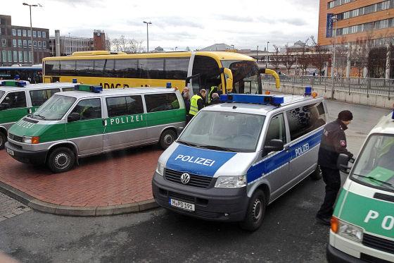 Fernbuskontrolle am ZOB Hannover