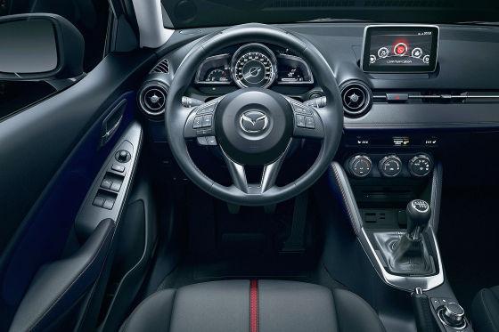 Mazda Hazumi (Mazda2): Sitzprobe auf dem Genfer Autosalon 2014