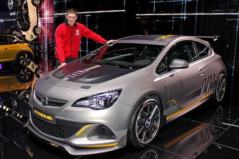 opel astra opc extreme sitzprobe genfer autosalon 2014. Black Bedroom Furniture Sets. Home Design Ideas