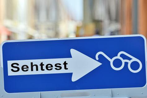 Symbolbild Tauglichkeitstest für ältere Autofahrer