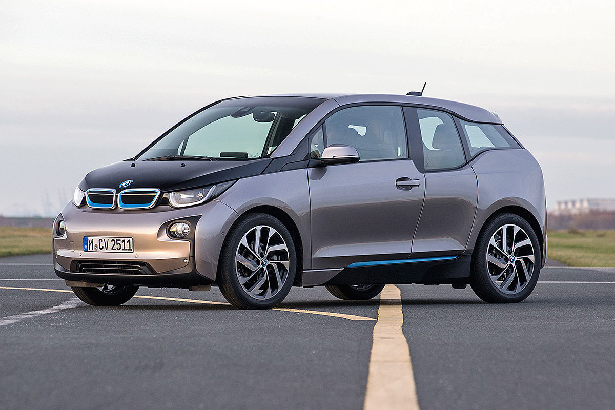 erster vergleich bmw i3 vs vw e golf bilder. Black Bedroom Furniture Sets. Home Design Ideas