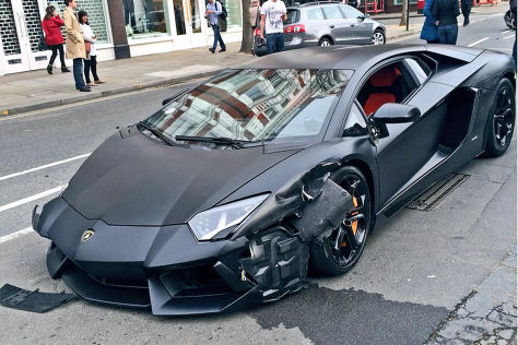 Lamborghini Aventador: Crash-Video