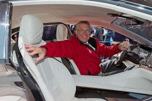 Tr�umen im Luxus-BMW