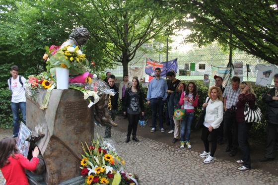 Senna-Denkmal