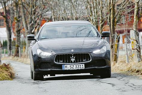 Maserati Ghibli S Q4 schwarz Frontansicht