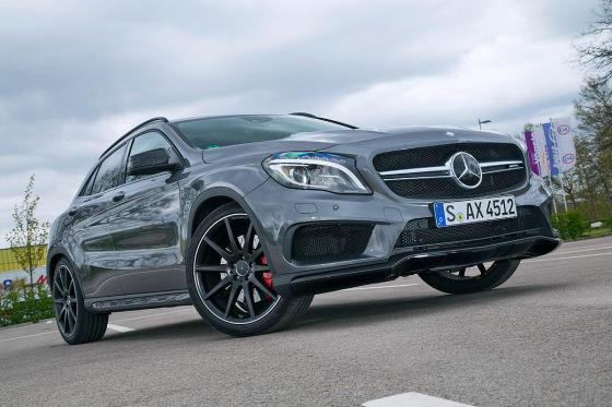 Mercedes GLA 45 AMG silber Frontansicht