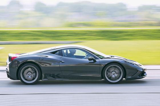 Ferrari 458 Speciale grau Seitenansicht