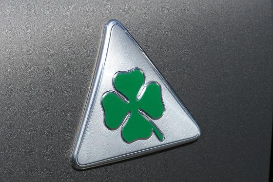 Quadrifoglio Verde-Logo