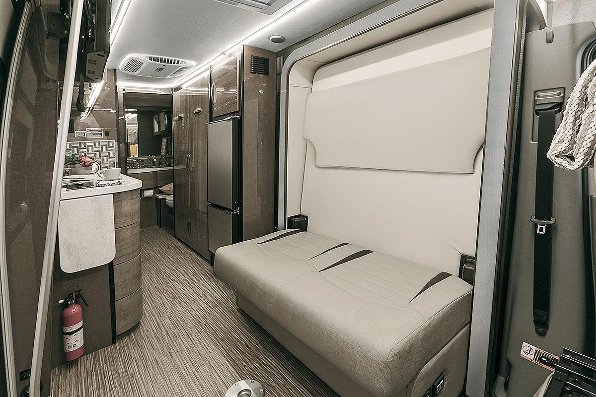 us reisemobile der extreme bilder. Black Bedroom Furniture Sets. Home Design Ideas