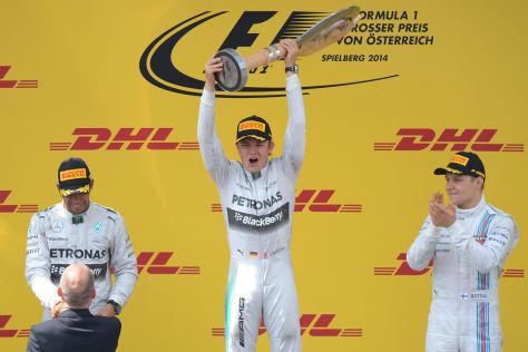Am Start lag zunächst noch Polesetter Felipe Massa an der Spitze des Feldes