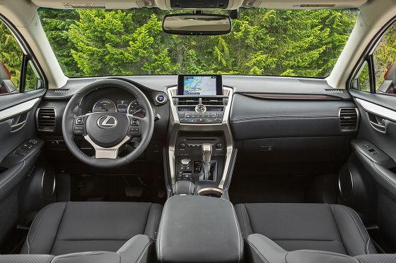 So fährt der Lexus NX