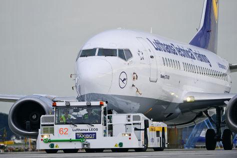 """Flugzeugschlepper """"TaxiBot"""""""