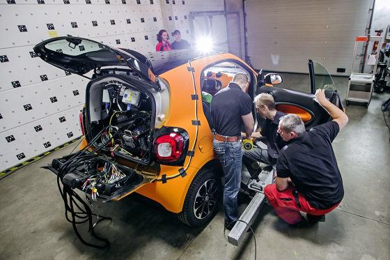 Crashtest Smart fortwo gegen Mercedes S-Klasse