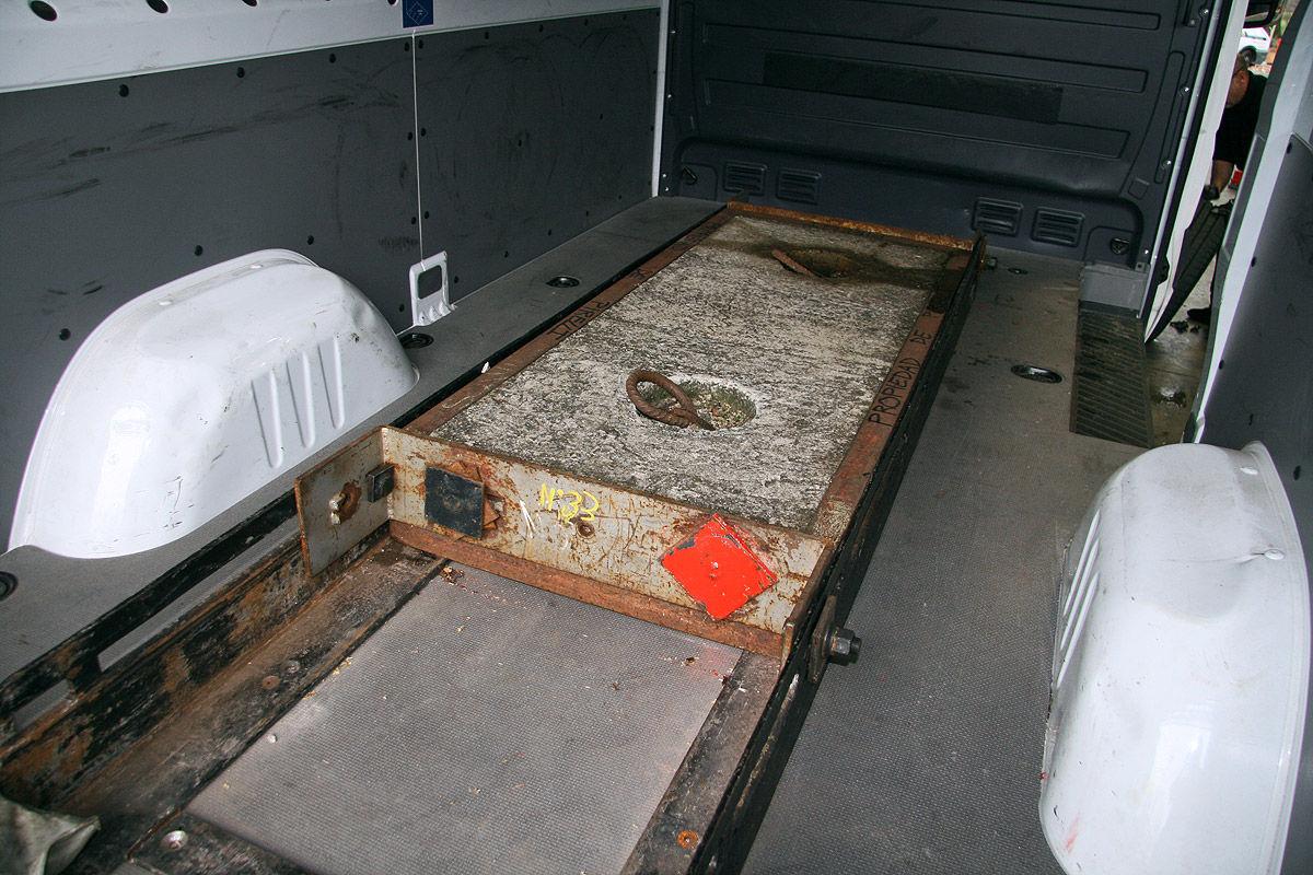 reifen f r wohnmobile im test bilder. Black Bedroom Furniture Sets. Home Design Ideas