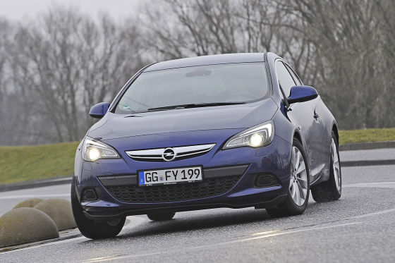 Opel Astra GTC 1.6 DIT blau Frontansicht